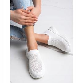 Ideal Shoes Wsuwane Buty Z Siateczką białe 2