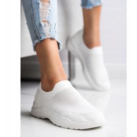 Ideal Shoes Wsuwane Buty Z Siateczką białe 1