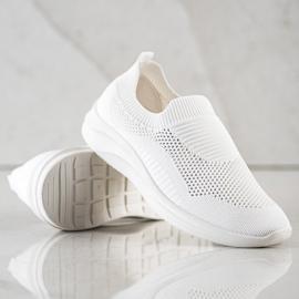 Ideal Shoes Białe Sportowe Slipony 1