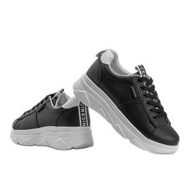 Czarne sneakersy sportowe Maniac 4