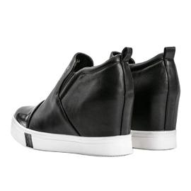 Czarne sneakersy damskie z napisami Caroline 1