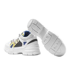 Białe sneakersy sportowe Karla 2
