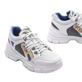 Białe sneakersy sportowe Karla 3
