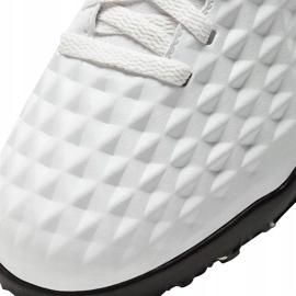 Buty piłkarskie Nike Tiempo Legend 8 Club Tf Junior AT5883 030 białe białe 6