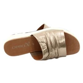 Caprice Komfortowe Klapki Damskie Taupe Metalik 9-27203-26 341 brązowe złoty 5