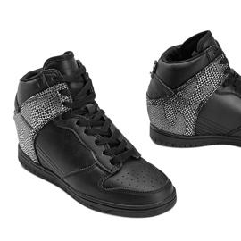 Czarne sneakersy za kostkę z motywem zwierzęcym Macy 3