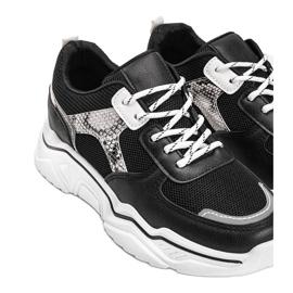 Czarne sneakersy na grubej podeszwie z motywem skóry węża Anika 2