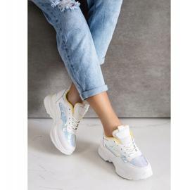 SHELOVET Sneakersy Z Cekinami białe 4