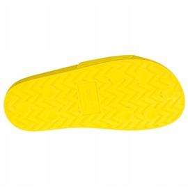 Klapki Levi's June Perf S W 233025-753-73 żółte 3