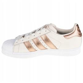 Buty adidas Superstar W CG6449 białe 1