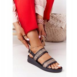 Skórzane Sandały Na Koturnie Laura Messi 2232 Czarne beżowy 3