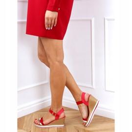 Sandałki na koturnie czerwone A89832 Red 2