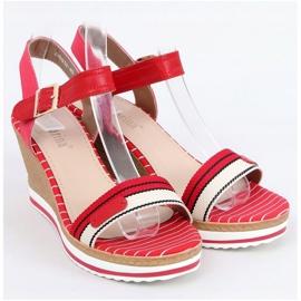 Sandałki na koturnie czerwone A89832 Red 1