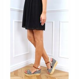 Sandałki na koturnie w paski czarne A89907 Black beżowy brązowe 3