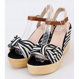 Sandałki na koturnie w paski czarne A89907 Black beżowy brązowe 1