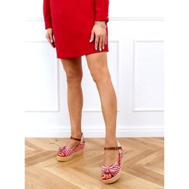 Sandałki na koturnie w paski czerwone A89907 Red beżowy brązowe 3