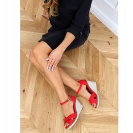 Sandałki na koturnie czerwone BL-70 Red 3