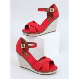 Sandałki na koturnie czerwone BL-70 Red 1