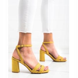 Kylie Zamszowe Sandałki Na Słupku żółte 2
