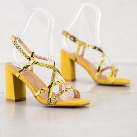 Kylie Sandały Na Słupku Snake Print żółte 4