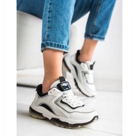 Ideal Shoes Sneakersy Z Brokatową Wstawką białe 1