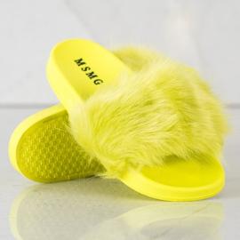 SHELOVET Gumowe Klapki Z Futerkiem zielone żółte 4