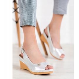 Błyszczące Sandały Na Koturnie VINCEZA szare 4