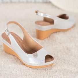 Błyszczące Sandały Na Koturnie VINCEZA szare 2