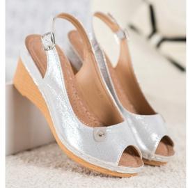 Błyszczące Sandały Na Koturnie VINCEZA szare 3