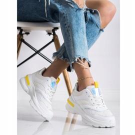 SHELOVET Sneakersy Na Platformie Z Siateczką białe 2