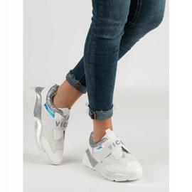 Wsuwane Buty Sportowe VICES białe 1