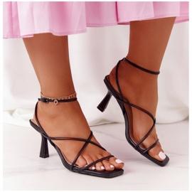 Sandały Na Szpilce Z Kwadratowym Noskiem S.Barski C420-11 Czarne 3