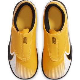 Buty piłkarskie Nike Mercurial Vapor 13 Club Ic PS(V) Junior AT8170 801 białe czarne pomarańczowe 1