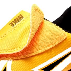 Buty piłkarskie Nike Mercurial Vapor 13 Club Ic PS(V) Junior AT8170 801 białe czarne pomarańczowe 4