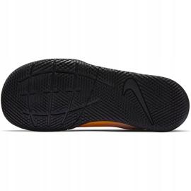 Buty piłkarskie Nike Mercurial Vapor 13 Club Ic PS(V) Junior AT8170 801 białe czarne pomarańczowe 5