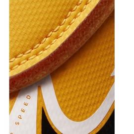 Buty piłkarskie Nike Mercurial Vapor 13 Club Ic PS(V) Junior AT8170 801 białe czarne pomarańczowe 3