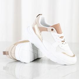 SHELOVET Stylowe Sneakersy Z Siateczką białe 2