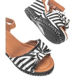 Czarno białe sandały na koturnie Dulce czarne 2