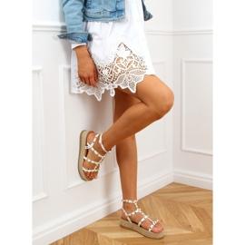 Sandałki espadryle z ćwiekami białe ME01 White 3