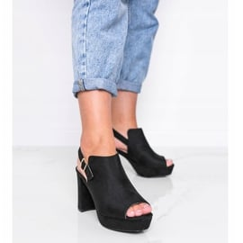 Czarne sandały na słupku Lordly 1