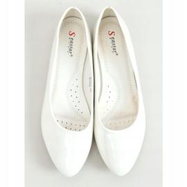 Baleriny gładkie lakierowane białe CC201 White 3