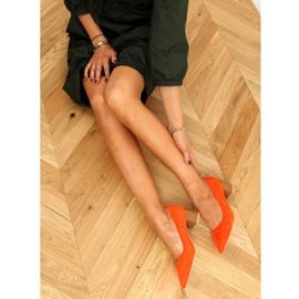 Czółenka na drewnianym obcasie pomarańczowe CL75P Orange 1