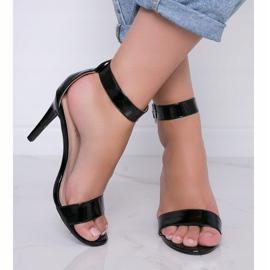 Czarne lakierowane sandały na szpilce Be My Baby 2