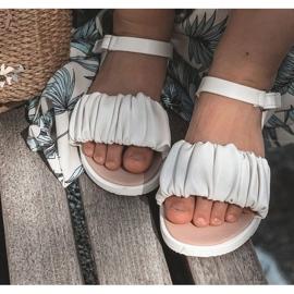 FR1 Dziecięce Sandały Na Rzep Białe Aimy 6