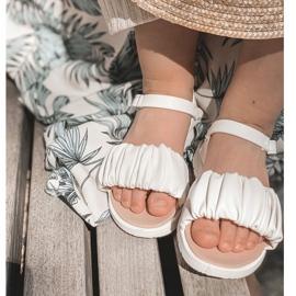 FR1 Dziecięce Sandały Na Rzep Białe Aimy 5