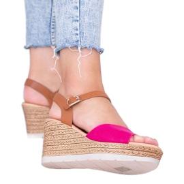 Różowe sandały na koturnie Roki 1