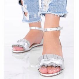Szare sandały z falbanką Bora srebrny 1