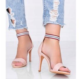 Beżowe sandały na szpilce Michela beżowy 1