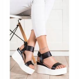 Small Swan Sandałki Na Koturnie Fashion czarne 3