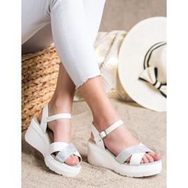 Small Swan Sandałki Na Koturnie białe srebrny 2